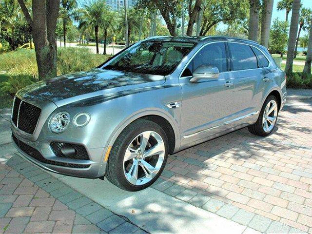 2019 Bentley Bentayga V8 for sale in Miami, FL