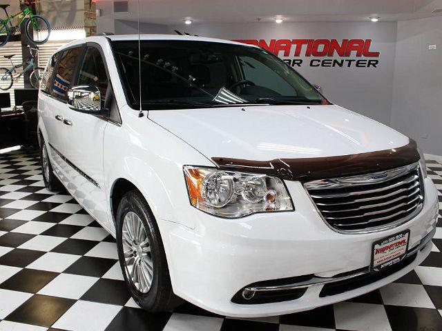 2016 Chrysler Town & Country Touring-L for sale in Lombard, IL