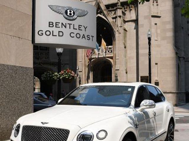 2018 Bentley Bentayga W12 Signature/Onyx Edition/Activity Edition/Mulliner/Black Edition for sale in Chicago, IL