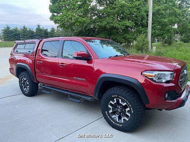 2017 Toyota Tacoma SR5 for sale in Walled Lake, MI