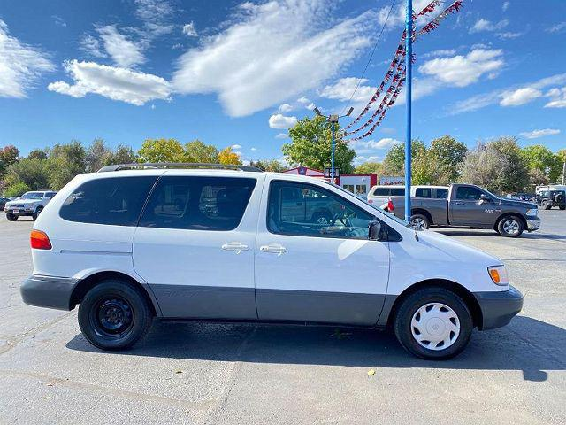 2000 Toyota Sienna LE for sale in Longmont, CO