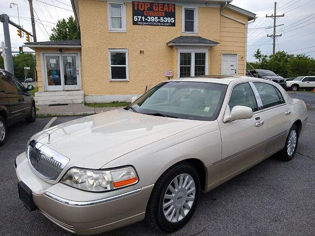 2005 Lincoln Town Car Signature Limited for sale in Winchester, VA
