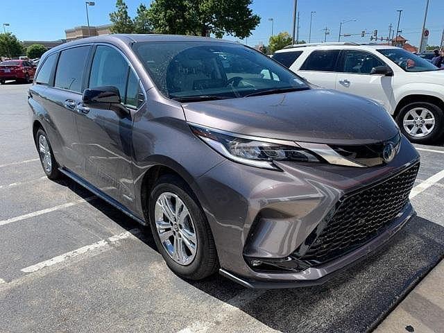 2021 Toyota Sienna XSE for sale in Tulsa, OK