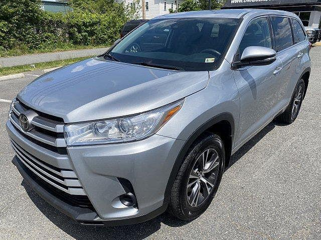 2018 Toyota Highlander LE for sale in Dumfries, VA
