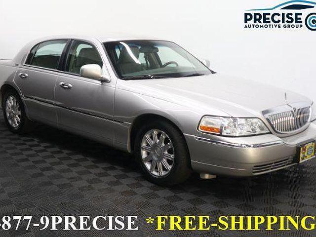 2011 Lincoln Town Car Signature Limited for sale in Chantilly, VA