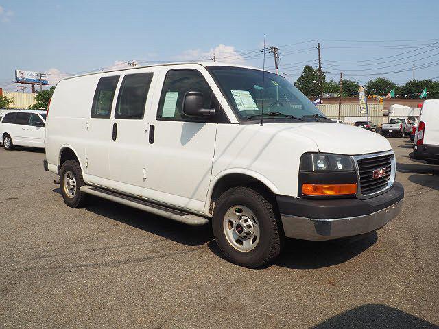 """2015 GMC Savana Cargo Van RWD 2500 135"""" for sale in Newark, NJ"""