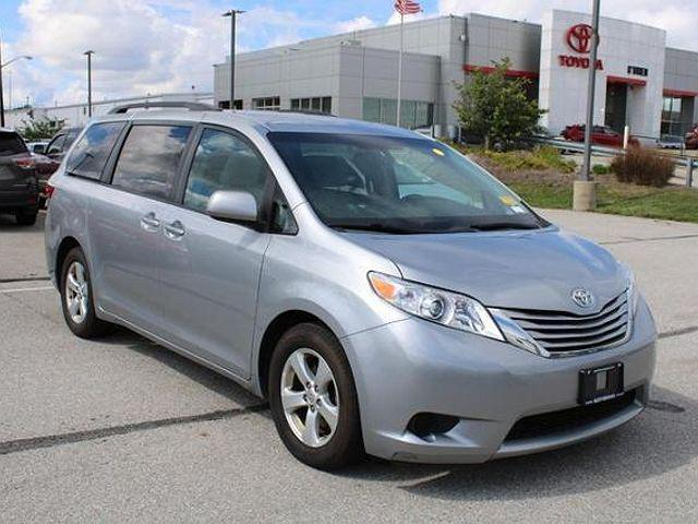 2015 Toyota Sienna LE for sale in Indianapolis, IN