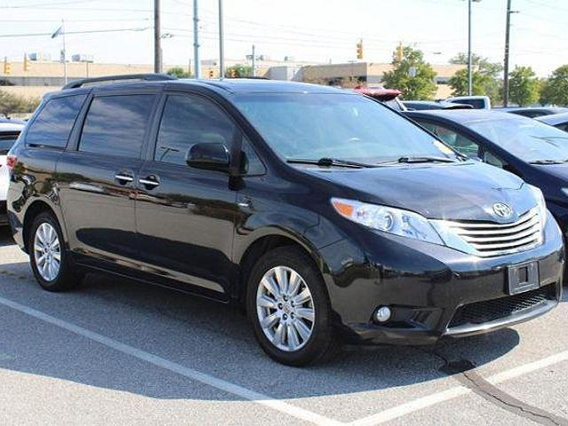 2017 Toyota Sienna XLE for sale in Indianapolis, IN