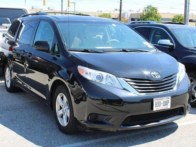 2013 Toyota Sienna LE for sale in Indianapolis, IN