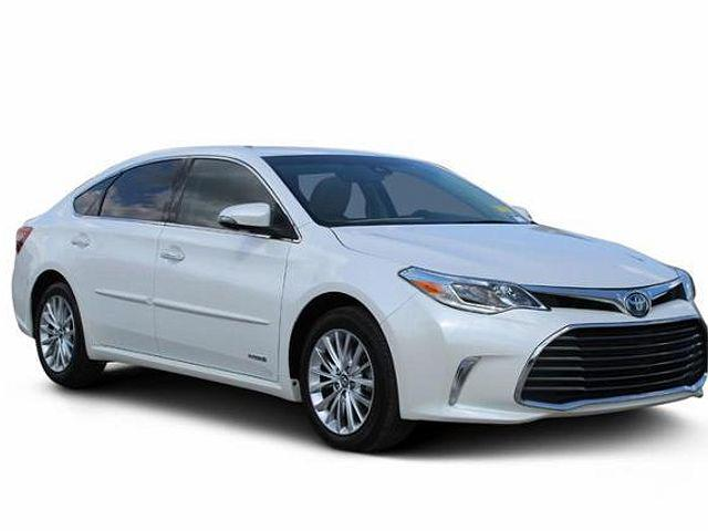 2018 Toyota Avalon Hybrid Limited for sale in Indianapolis, IN