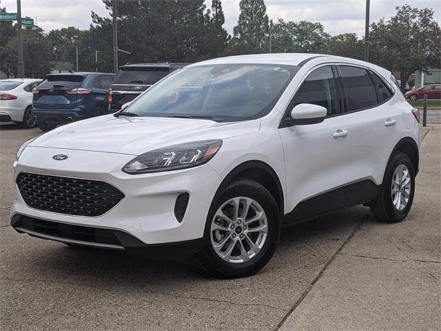 2021 Ford Escape SE Hybrid for sale in Ferndale, MI