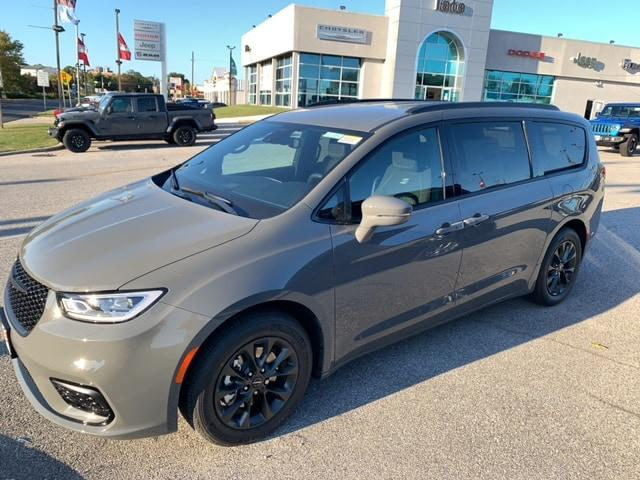 2021 Chrysler Pacifica Touring for sale in Glen Burnie, MD