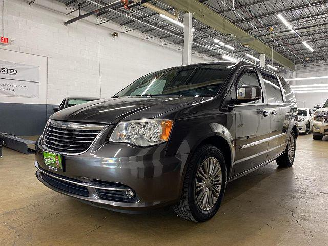 2015 Chrysler Town & Country Touring-L for sale in Glendale Heights, IL