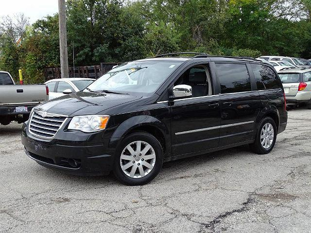 2010 Chrysler Town & Country Touring Plus for sale in Elmhurst, IL