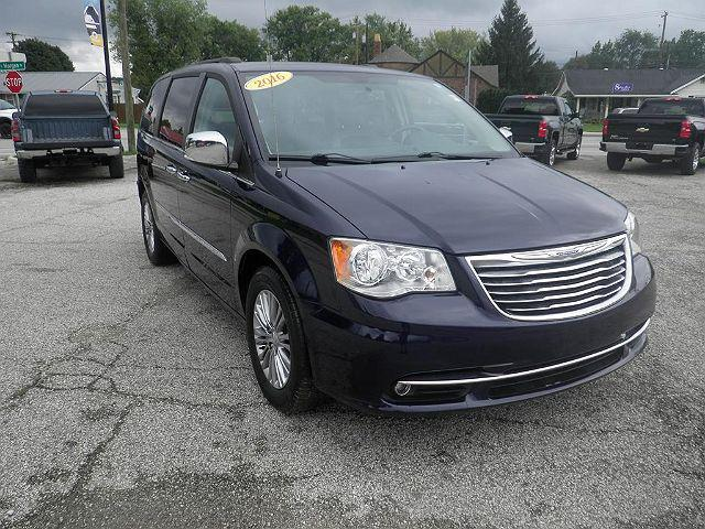 2016 Chrysler Town & Country Touring-L Anniversary Edition for sale in Spencer, IN