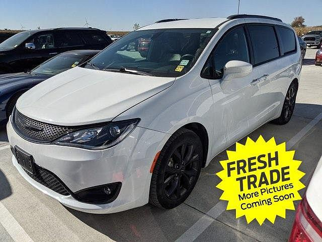 2018 Chrysler Pacifica Touring L for sale in Charles City, IA
