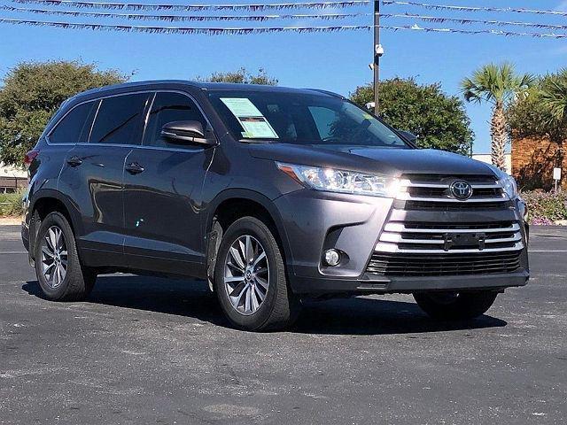 2017 Toyota Highlander XLE/SE for sale in San Antonio, TX