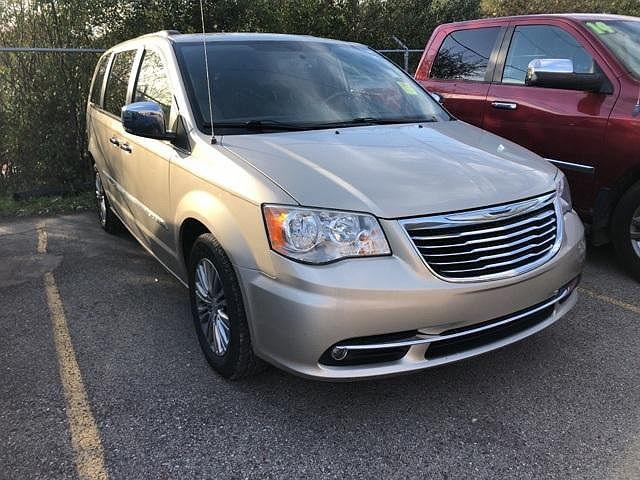2013 Chrysler Town & Country Touring-L for sale in Pinckney, MI