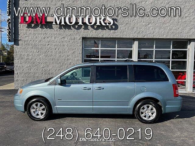2008 Chrysler Town & Country Touring for sale in Walled Lake, MI