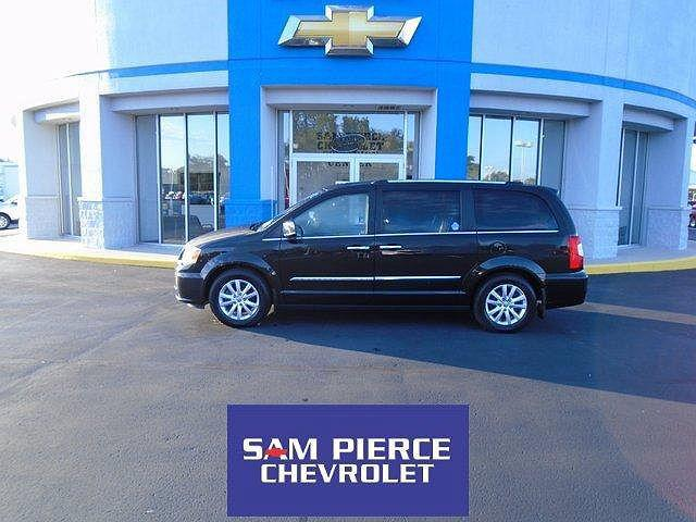 2016 Chrysler Town & Country Limited Platinum for sale in Daleville, IN