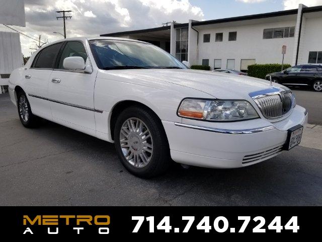 Location: El Monte, CALincoln Town Car Signature Limited in El Monte, CA