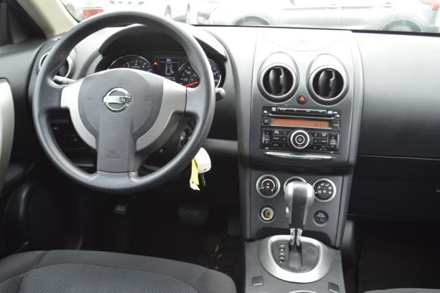 2015 Nissan Rogue Select S 16