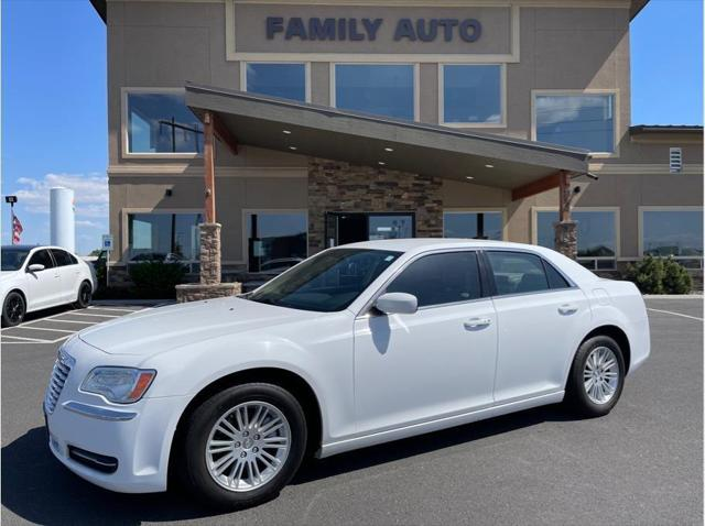 2014 Chrysler 300 4dr Sdn RWD for sale in Moses Lake, WA