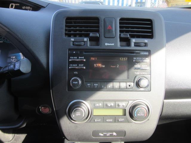 2015 Nissan LEAF S 24