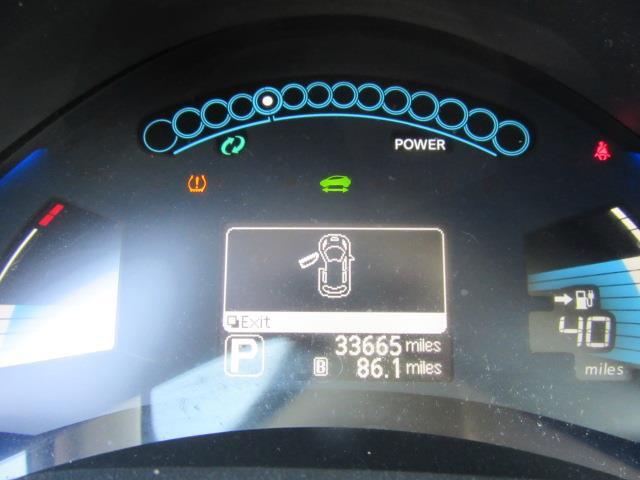 2015 Nissan LEAF S 27