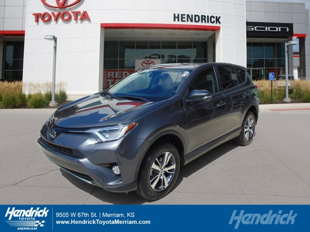 2017 Toyota RAV4 XLE Sport Utility Merriam KS