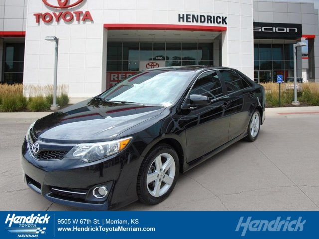 2012 Toyota Camry SE 4dr Car Merriam KS
