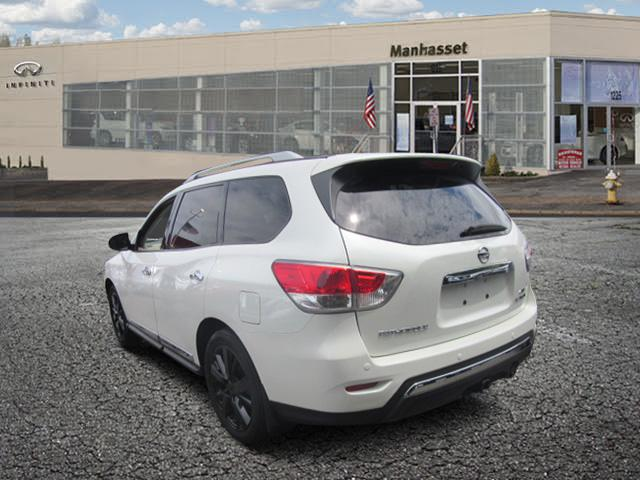 2015 Nissan Pathfinder Platinum 1