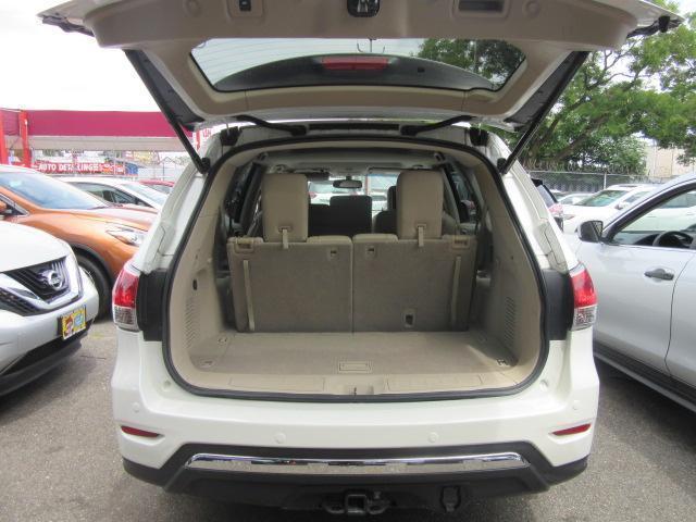 2015 Nissan Pathfinder Platinum 3