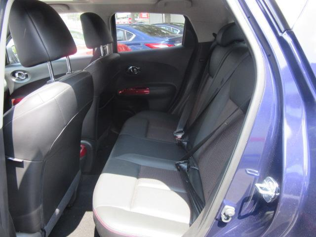 2015 Nissan JUKE SL 11