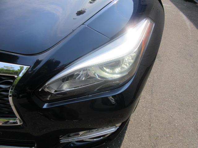 2015 INFINITI Q70L 4dr Sdn V6 AWD 7