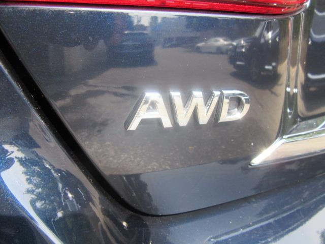 2015 INFINITI Q70L 4dr Sdn V6 AWD 9