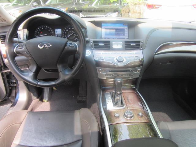 2015 INFINITI Q70L 4dr Sdn V6 AWD 13