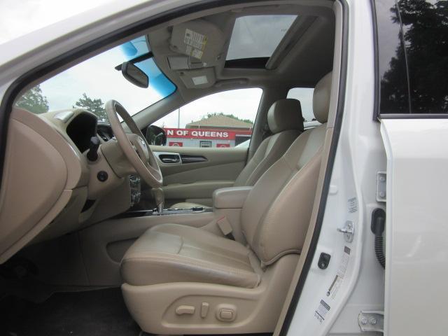 2015 Nissan Pathfinder Platinum 11