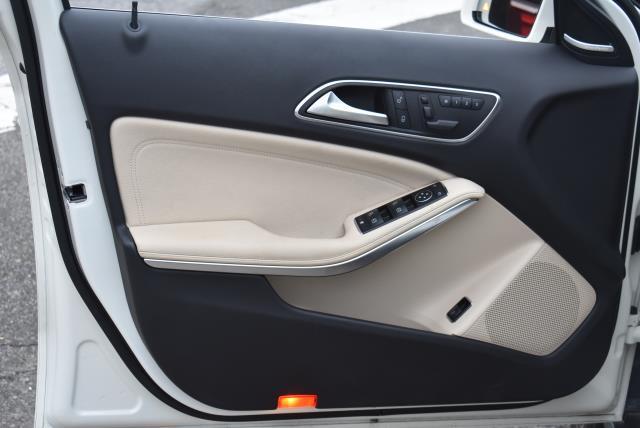 2016 Mercedes-Benz GLA GLA 250 16