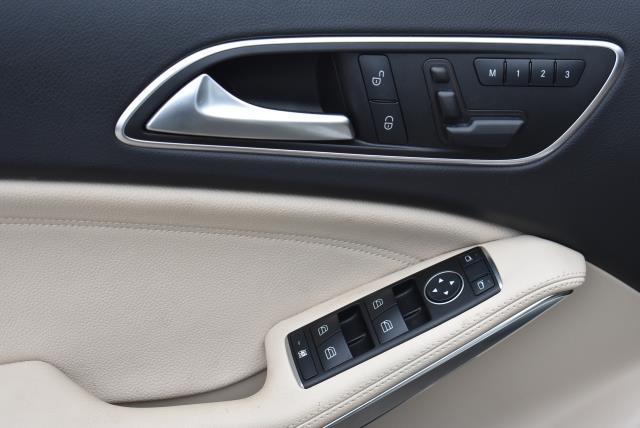 2016 Mercedes-Benz GLA GLA 250 17
