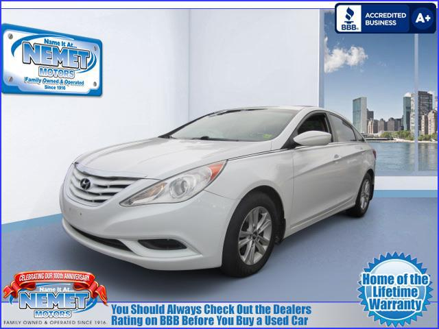 Used 2012 Hyundai Sonata GLS PZEV Front Wheel Drive 4 Door Mid Size  Passenger Car. VIN: 5NPEB4AC6CH443230 WE WILL TEXT A LINK BACK TO THIS  VEHICLE TO VIEW ...