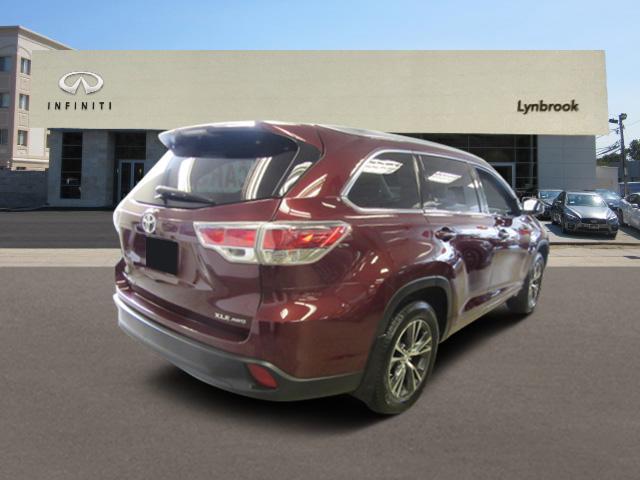 2016 Toyota Highlander XLE 2