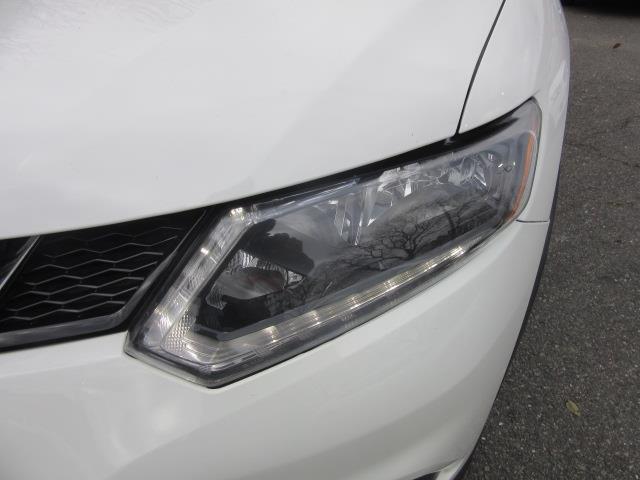 2015 Nissan Rogue S 6