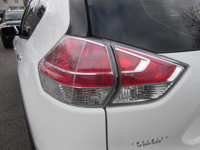 2015 Nissan Rogue S 7