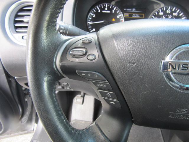 2016 Nissan Pathfinder SL 20