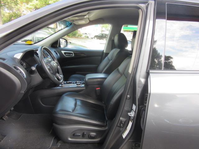 2016 Nissan Pathfinder SL 12