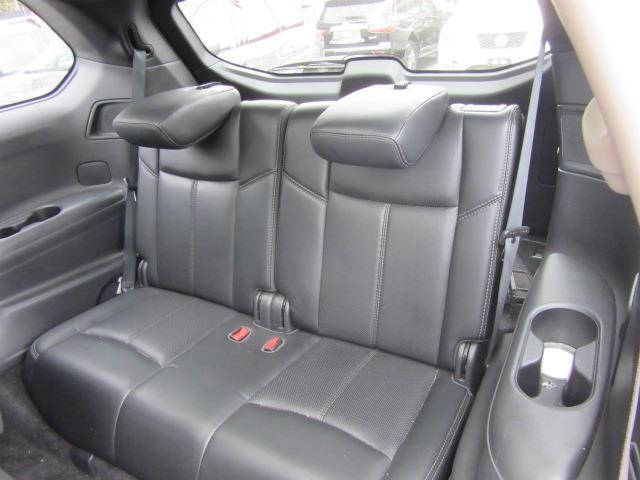 2016 Nissan Pathfinder Platinum 12