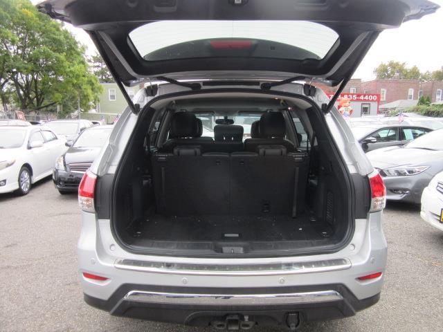 2016 Nissan Pathfinder Platinum 3