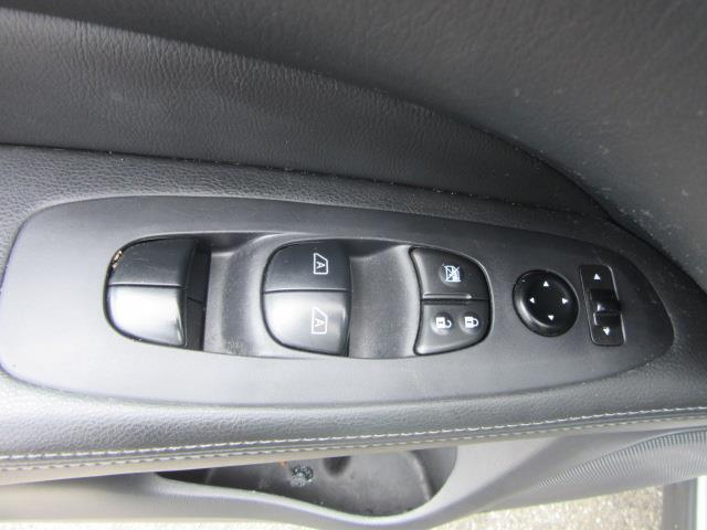 2016 Nissan Pathfinder Platinum 15