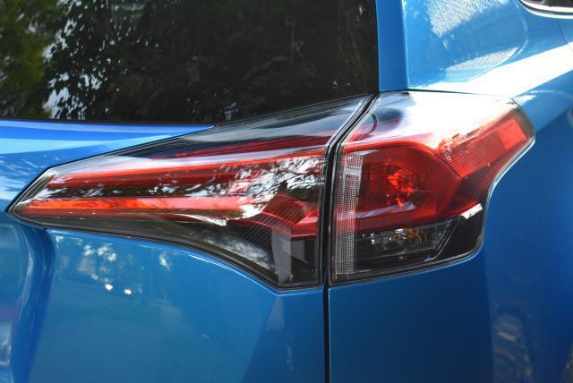 2018 Toyota RAV4 LE 8